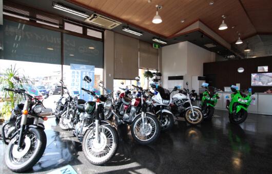 レンタルバイクショップを併設!
